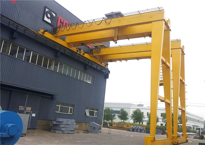 Choose half door crane from China